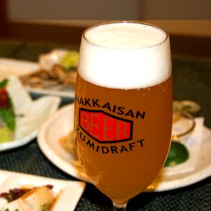 コース料理とセットがお得です。ビール・ウイスキー・焼酎・サワーなど各種ドリンクをご用意しております。ソフトドリンクもご用意しておりますので、お気軽にご相談ください。 <飲み放題付きコース> ¥4,980コース/¥3,980コース